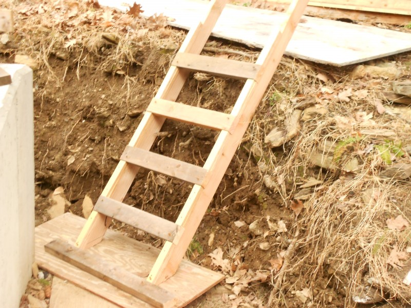 Custom built site ladder. Check out those plywood cleats will ya!