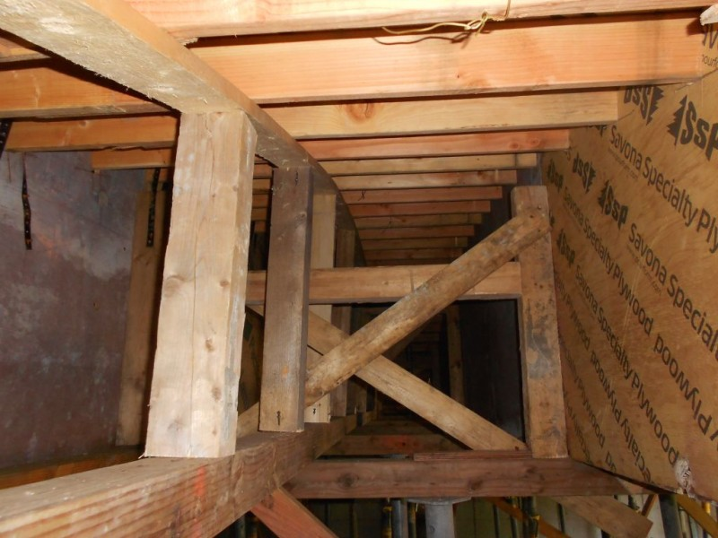 Bracing detail underneath the deck at the joint between 2x4's.