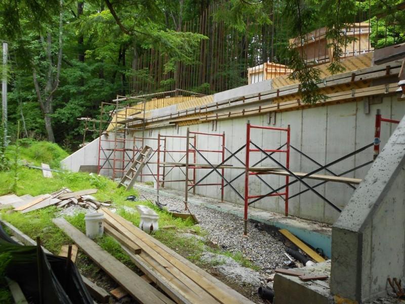 Start of the scaffold. West side.