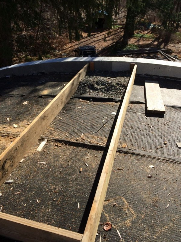This is the walkway to the South end of the roof.